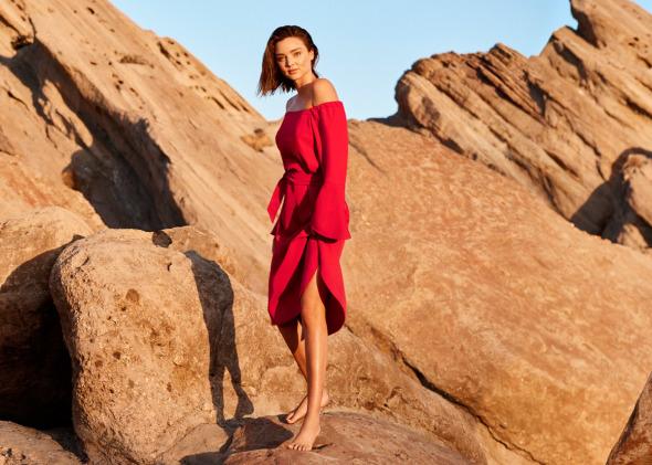 снимка: Миранда Кер – игрива и сияйна в новата кампания на Marella