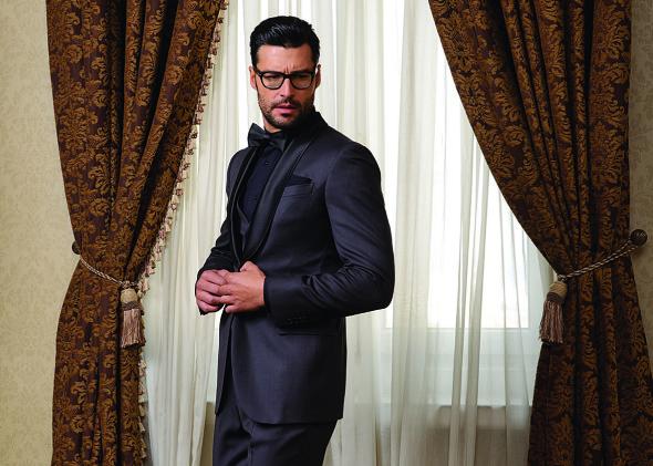 снимка: Визията на Desizo Monni за мъжките костюми