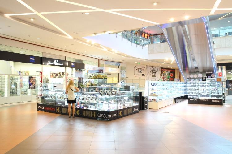 Снимка: Kirov High End отвори врати в Paradise Center