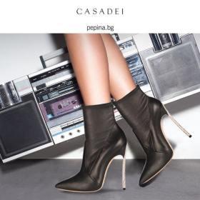 Снимка: Лукс и естетика с Casadei