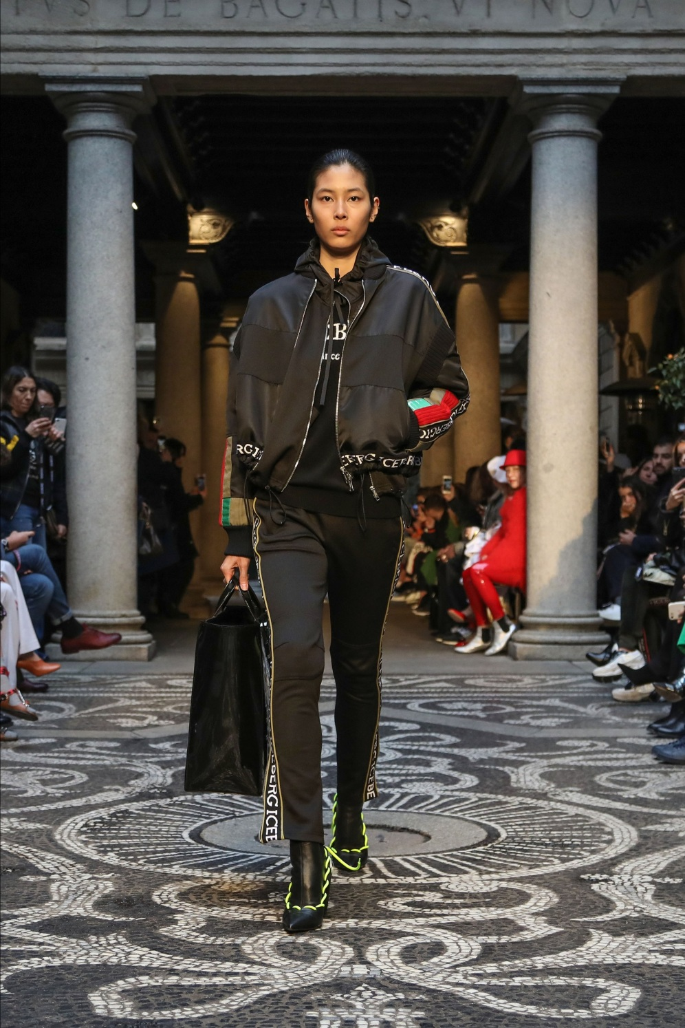 снимкаIceberg Fall/Winter 2018-19