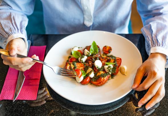 снимка: Лятното меню на Mr.pizza и морско модно вдъхновение от Tommy Hilfiger