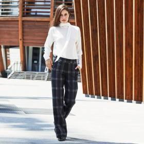Picture: До 50% НАМАЛЕНИЕ на клин-панталони в магазин Golden Point!