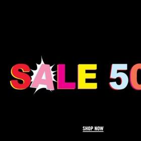 Снимка: Всичко на 50% в Love Moschino на колекции пролет/лято 2020